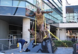 Magic Johnson Statue